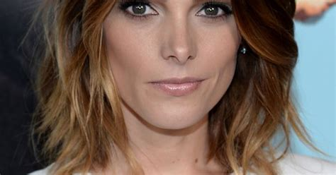 ashley greene with beautiful ombre ashley greene s ombre bob hair pinterest ombre bob