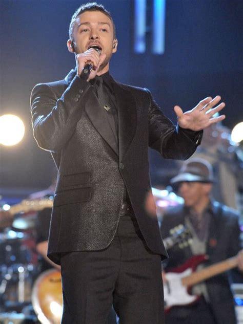 Look For Justin Timberlakes Box Live by 2009 Looking Dapper In A Suit Justin Performs And