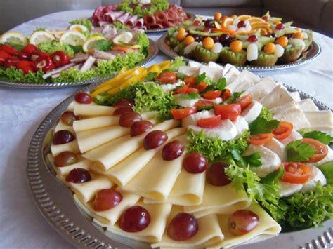 kaltes buffet anrichten das auge isst mit 51 kreative ideen f 252 r kalte platten