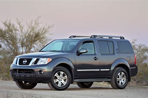 pathfinder nissan 2011 2011 nissan pathfinder review photo gallery autoblog