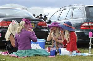 Last Day At Royal Ascot Resembles A Muddy Day At Glastonbury by Live Royal Ascot 2011 Pictures News And Results From
