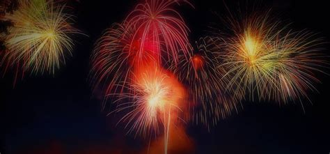 Best Place To Get Background Check Summer Fireworks On Saturday Nights Bc The Butchart Gardens
