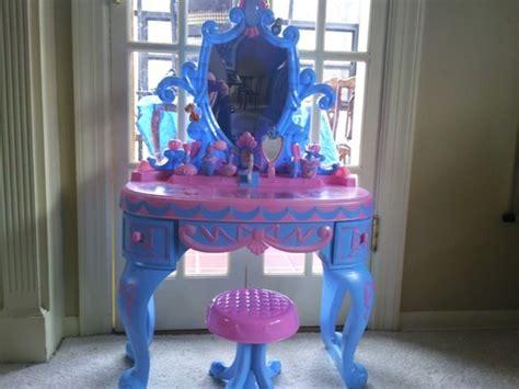 Disney Princess Cinderella Vanity by Disney Princess Cinderella Talking Vanity