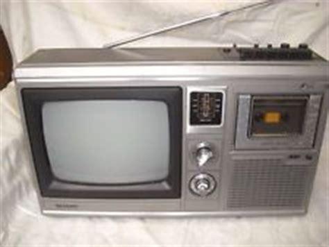 Tv Sharp 33w31 D1 sharp 10p 18g tv radio kassetten combi televizors