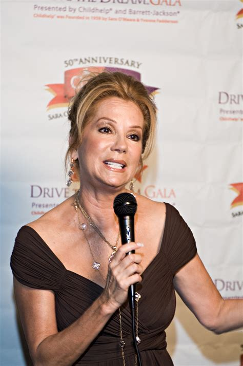 latest kathie lee gifford obama golfs with larry david kathie lee s rabbinical