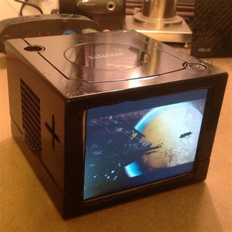 mod game com the gamecube goes portable with this impressive mod hey