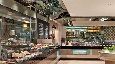 international buffet restaurant in kowloon the langham