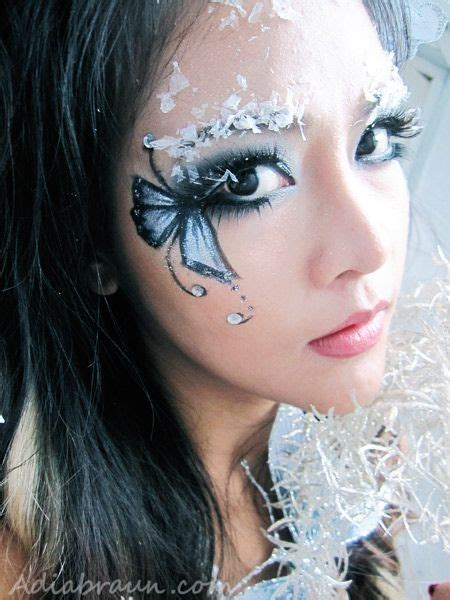 Eyeliner White Pixy by Glitter Snow Butterfly Makeup Adia Braun