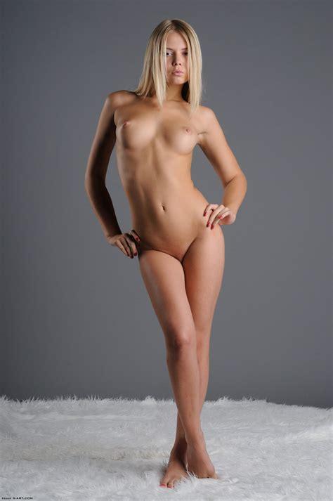 Aria Pure Nude