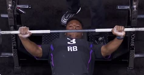most bench press nfl combine nfl combine bench press numbers running backs