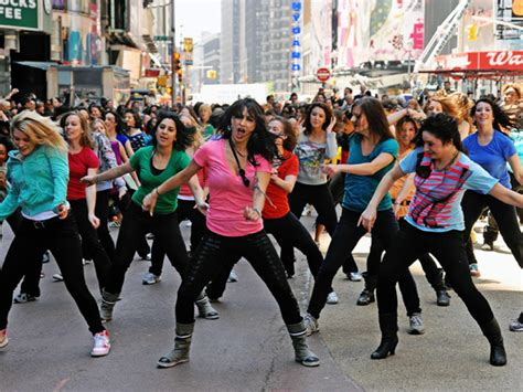 tutorial dance flash mob flash mob dancers invade times square for suave nbc new york