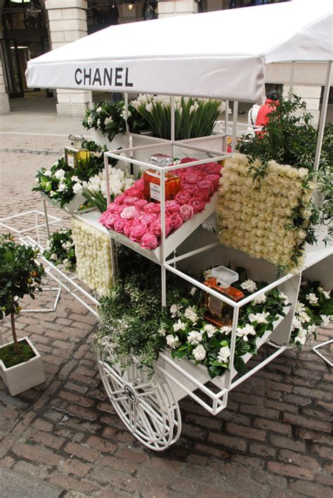 bench covent garden bench covent garden chanel s fragrance discovery flower stall at covent garden