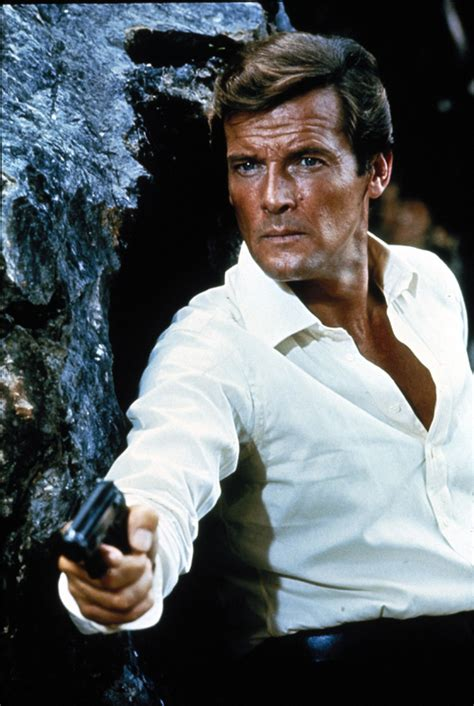 roger moore roger moore james bond heyuguys