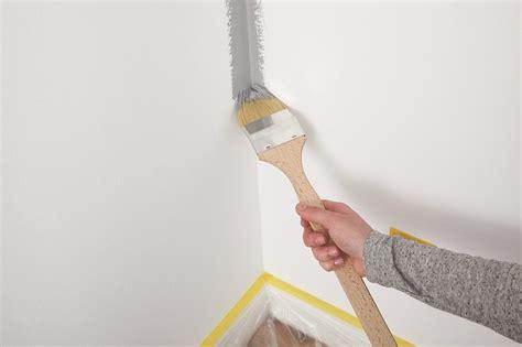Wandfarbe Richtig Streichen by Tipps Um W 228 Nde Gleichm 228 223 Ig Zu Streichen Alpina Innen