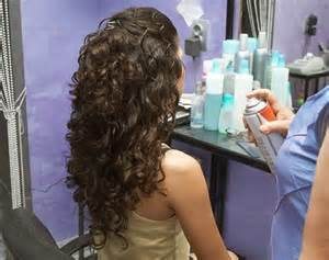 permanente femme enceinte photo coiffure