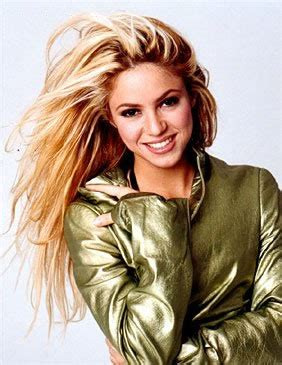 biography shakira shakira picture gallery images photos pics shows