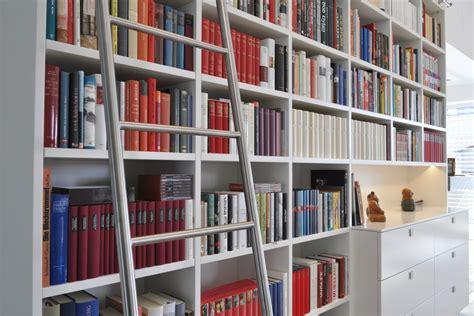 wohnzimmer bibliothek bibliothek wohnzimmer happy places the book corner in