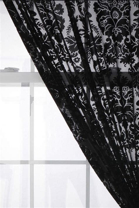 Damask Velvet Curtains Urbanoutfitters Gt Damask Velvet Burnout Curtain I Can Just Imagine The Effect They Will