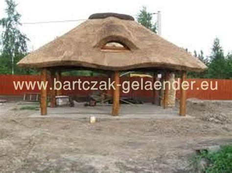 strohdach pavillon gartenpavillon mit reetdach gartenpavillon holz reetdach