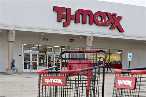 tj maxx one huge american retailer ignored the internet and won