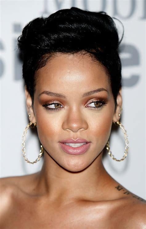 Rihanna Supersized Hoop Earrings by Rihanna Gold Hoops Rihanna Jewelry Looks Stylebistro