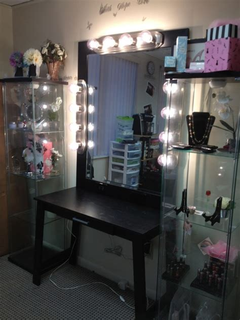 Bedroom Vanity With Lights by How Dazzling Makeup Vanities For Bedrooms With Lights