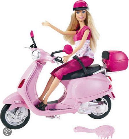 buitenspeelgoed ken bol barbie met vespa scooter mattel speelgoed