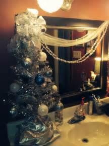 Christmas Bathroom Accessories by Christmas Bathroom Decor Christmas Bathroom Decor