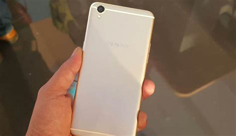 Oppo F1 Plus R9 Shining Chrome 1 oppo f1 plus review here s why its 16 mp selfie