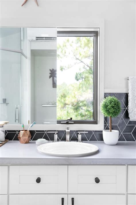 black diamonds bathroom tile
