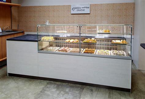 banco frigo pizzeria arredamenti per negozi banchi e vetrine neutre e refrigerate