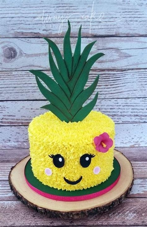 pineapple cake adorablecutesummer ideas   hawaiian party   geburtstagskuchen