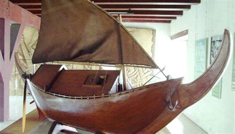 inilah  kapal tradisional khas indonesia tentik