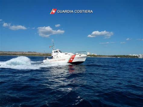 pesca porto cesareo pesca di frodo e minaccia la capitaneria di porto