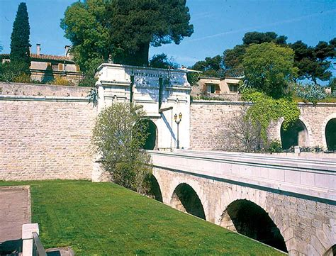 theatre porte d italie toulon patrimoine et monuments de toulon toulon tourisme
