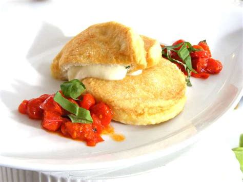 mozzarelle in carrozza sicilian food recipes mozzarella in carrozza bed