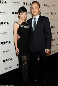 Blinding Light Show Ginnifer Goodwin And Josh Dallas Engaged Daily Mail Online