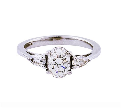 the gallery for gt gold oval halo engagement rings