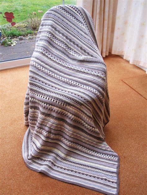 decke mit ärmel baumwolle schoenstricken de crochet along babydecke gr 246 223 er h 228 keln