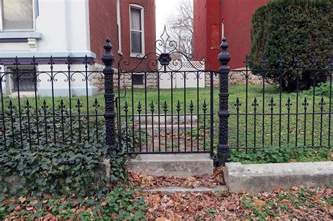 Wrought Iron Garden Fence by 40 Best Garden Fence Ideas Design Pictures Designing Idea