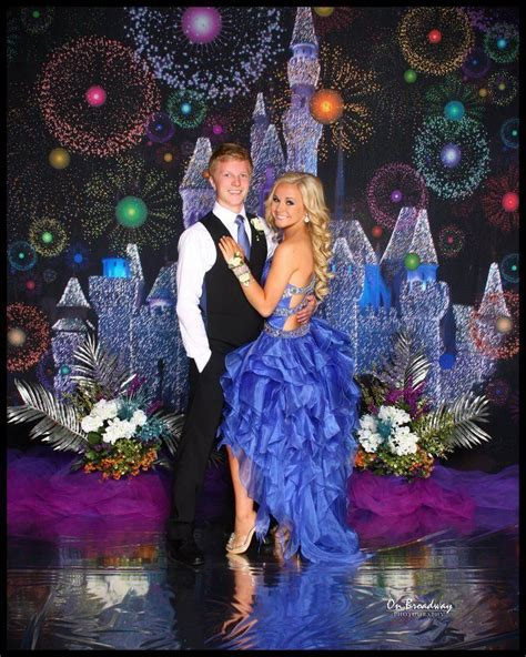 cutest prom picture this would be a cool theme im so fancayyy