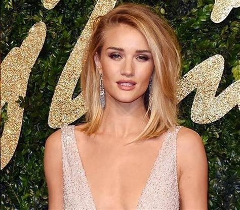 rosie huntington whiteley blog rosie huntington whiteley in burberry british fashion
