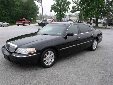 buy used 2007 lincoln town car executive l sedan 4 door 4 6l in west chester pennsylvania