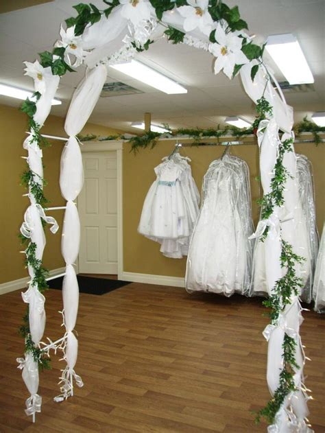 How To Decorate A Arch For Wedding by Fashion And March 2010