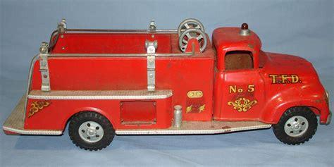 tonka fire truck toy vintage tonka fire department suburban pumper 950 pressed
