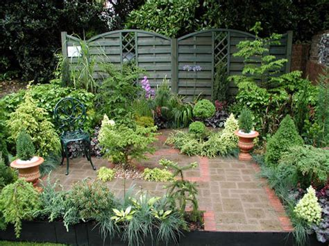 tiny garden courtyard garden design ideas