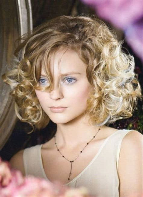 do short blunt curly haircuts look good on heavy women 111 amazing short curly hairstyles for women to try in 2017