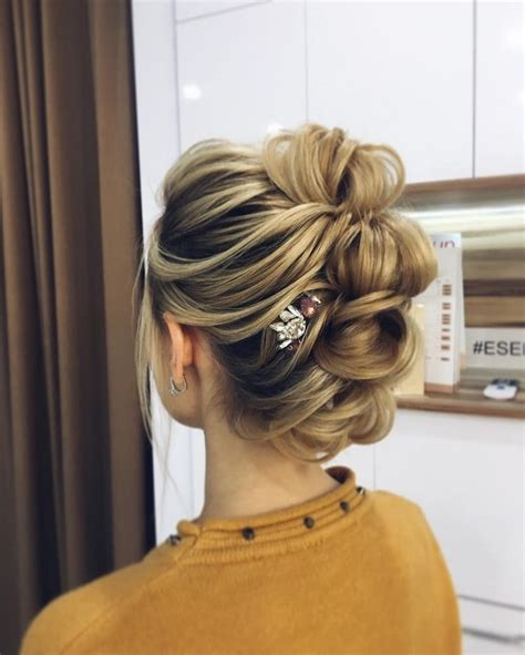 diy upstyle hairstyles best 25 messy updo ideas on pinterest bridesmaid hair