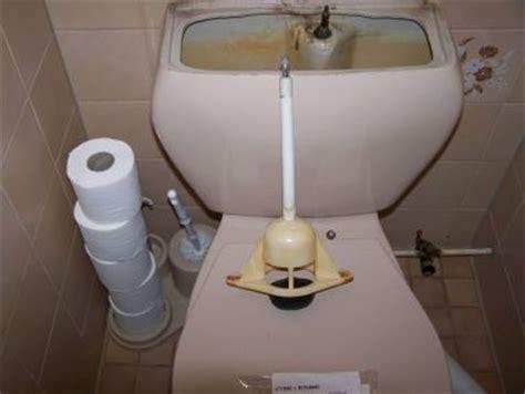 wc sphinx europa water lekt in sfinx toilet
