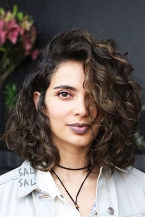 42 Curly Bob Hairstyles That Rock in 2018